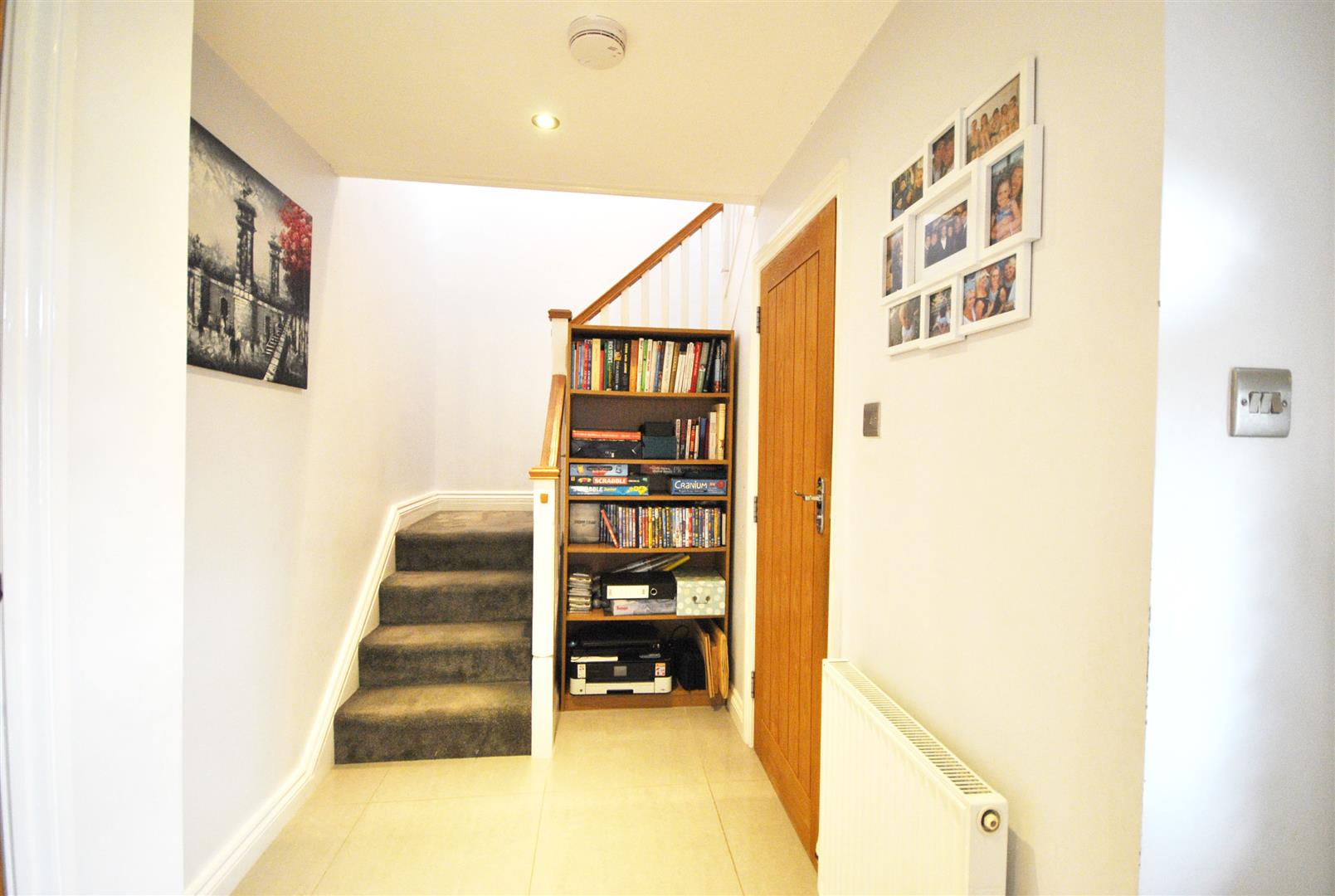 3 Bedrooms, House - End Terrace